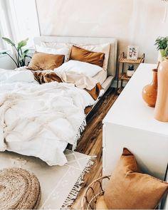 Home Interior Living Room .Home Interior Living Room Cozy Bedroom, Bedroom Inspo, Bedroom Ideas, Modern Bedroom, Contemporary Bedroom, Bedroom Designs, Bedroom Inspiration, Neutral Bedroom Decor, Blush Bedroom