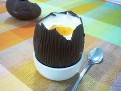 """Essa semana recebi um link de uma pessoa querida com um pedido bem explícito: """"Faz pra mim?"""". Fui ver e era uma foto de um Ovo de Páscoa, do..."""