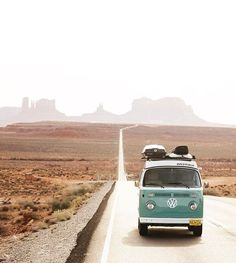 Volkswagen On the road // Road trip Wanderlust