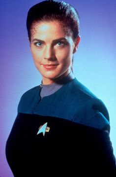 Terry Farrell starring in Star Trek: Deep Space Nine Star Trek Cast, Star Trek Voyager, Terry Farrell Actress, Akira, Starfleet Academy, Star Trek Captains, Star Trek Characters, Star Wars, Star Trek Universe