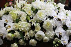 F47 Casket Flowers, Casket Sprays, How To Memorize Things, Floral Wreath, Wreaths, Plants, Beautiful, Home Decor, Decoration Home
