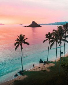 20 Places To Visit In Hawaii — Richpointofview - 20 Of The Most Incredible Places To Visit In Hawaii — RichPointofView - Nature Living, Voyage Hawaii, Places To Travel, Places To Visit, Travel Destinations, Hawaiian Sunset, Pink Sunset, Beaches In The World, Travel Aesthetic
