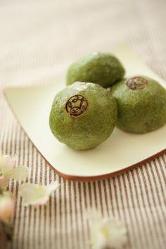 Japanese sweets, Matcha Manju 抹茶饅頭