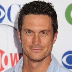 Oliver Hudson wiki, affair, married, Gay with age, height, actor,