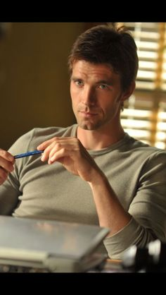 Lucas Bryant from my fav SyFy show, Haven. he is dreamy! Lucas Bryant, Eric Balfour, Tv Episodes, Watch Episodes, Attractive Men, Good Looking Men, Gorgeous Men, Beautiful People, Sexy Men
