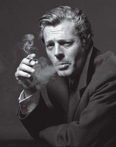The cool Marcello Mastroianni.