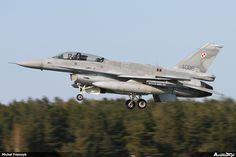 Lockheed Martin F-16D Fighting Falcon, lokalizacja: #Gdansk - Port lotniczy im. Lecha Wałęsy #EPGD #Airport, author: Michał Franczyk