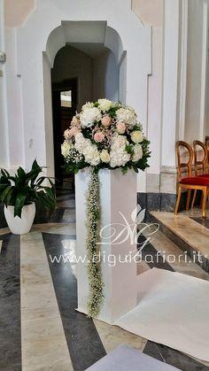Addobbi floreali - Fiorista Roberto Di Guida Floral Wedding, Wedding Bouquets, Wedding Flowers, Church Flower Arrangements, Floral Arrangements, Flower Decorations, Wedding Decorations, Vase Deco, Wedding Planer