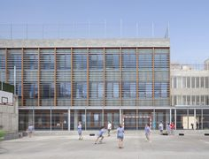 Škola v Barceloně od Harquitectes © Adrià Goula