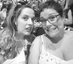 #CelineDionMTL avec impatience! #CestLoooog!!!!!
