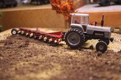 1/64 WHITE 2-180.Miss those White Field Boss tractors