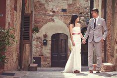 Pre wedding photos - Certaldo - destination wedding photographer Jules Bower