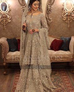 This bridal by @suffusebysanayasir is straight out of a fairytale #pssweddinginspo