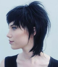 Coupe de cheveux femme Source by The post Coupe de cheveux femme appeared first on Swed. Mullet Haircut, Mullet Hairstyle, Haircuts With Bangs, Funky Hairstyles, Emo Haircuts, Formal Hairstyles, Weave Hairstyles, Straight Hairstyles, Wedding Hairstyles