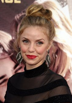 Kelli Garner...one of the most beautiful women out there and I love her character on Pan Am