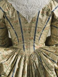 Detail rear view of Robe a la polonaise ca. 1775 From LACMA via Fripperies and Fobs. See entire outfit at 18th Century Fashion Fem: http://pinterest.com/pin/278589926920868973/