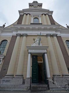 Breda, De SINT ANTONIUS KATHEDRAAL aan de Sint Janstraat (2012).