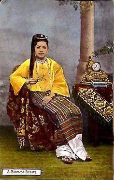 Burmese lady with a cigar.