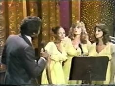 Johnny Mathis in early Great harmony with the ladies! Z Music, Good Music, Sheet Music, Johnny Mathis, Here's Johnny, Theatre Problems, Old School Music, Music Charts, Youtube Stars