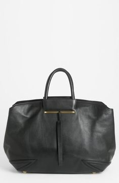 This tote has great structure!