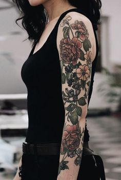 Getting tattoos with sleeves is a great commitment that requires more planning and time than a typical body art work. Tattoo Girls, Girls With Sleeve Tattoos, Full Sleeve Tattoos, Girl Tattoos, Tattoos Pics, Fake Tattoos, Small Tattoos, Tattoo Sleeves, Quote Tattoos