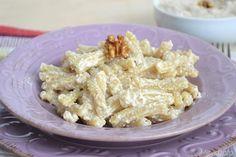 Le casarecce in salsa di noci sono un piatto ricco e molto semplice da realizzare. Il condimento è tipico della liguria e prende il nome di sarsa