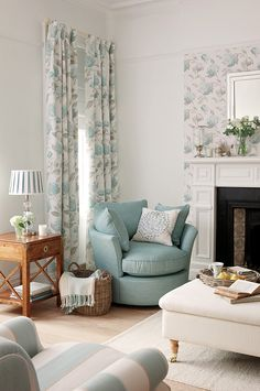 Ready-Made-Curtains from the Laura Ashley Collection