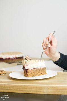 Maroni-Kirsch-Schoko-Torte ganz einfach Nachbacken! Das Rezept geht schnell und auch super für Anfänger. Schaut vorbei und probiert es selber aus!
