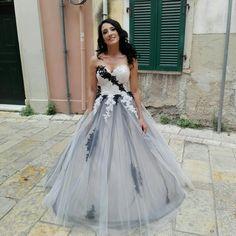 Black and white wedding #blackwhitewedding #weddingbouquets
