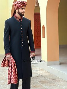 Latest Mens Wedding Sherwani Trends 2020 by Top Pakistani Designers Sherwani For Men Wedding, Wedding Dress Men, Pakistani Wedding Dresses, Indian Wedding Outfits, Wedding Men, Bridal Dresses, Wedding 2017, Mens Sherwani, Costumes