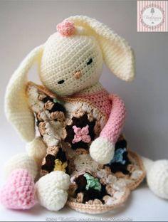 Tarturumies- Pattern Rabbit Chloe- Spanish Tarturumies - Maria Bernadette Pozzi - Chloe the Bunny - Spanish - Free Crochet Bunny, Crochet Animals, Crochet Dolls, Cat Amigurumi, Amigurumi Patterns, Crochet Patterns, Crochet Disney, Crochet Gifts, Yarn Crafts