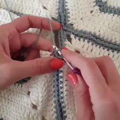 Aprenda Crochê De Modo Rápido e fácil e Bastante Simples - Stricken anleitungen,Stricken einfach,Stricken ideen,Stricken tiere,Stricken strickjacke Bag Crochet, Crochet Chart, Love Crochet, Crochet Blanket Patterns, Learn To Crochet, Crochet Motif, Crochet Stitches, Knitting Patterns, Crochet Flowers