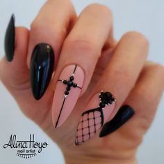 Nail art Christmas - the festive spirit on the nails. Over 70 creative ideas and tutorials - My Nails Halloween Nail Designs, Halloween Nail Art, Halloween Halloween, Women Halloween, Outdoor Halloween, Spirit Halloween, Halloween Decorations, Halloween Costumes, Acrylic Nail Designs