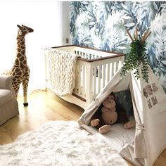 Such a cozy children's room in France. How glad I am to be a part of this :-) Kids Teepee Tent, Childrens Gifts, Light Beige, Kidsroom, One Bedroom, Play Houses, Aurora, Toddler Bed, Creativity
