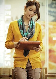 Business Attire, Fashion Colours, Silk Scarves, Color Patterns, Asian Girl, Womens Fashion, Fashion Trends, Casual, Sweaters