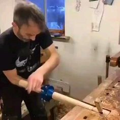 Woodworking Ideas To Sell, Woodworking Tools For Beginners, Unique Woodworking, Woodworking Hand Tools, Woodworking Workbench, Woodworking Techniques, Popular Woodworking, Woodworking Videos, Woodworking Furniture
