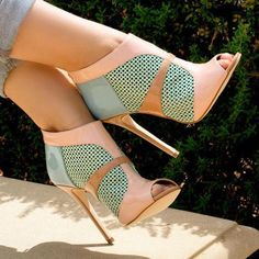 high heels – High Heels Daily Heels, stilettos and women's Shoes Zapatos Shoes, Shoes Heels, Pumps, Low Heels, Sexy Heels, Louboutin Shoes, Christian Louboutin, Crazy Shoes, Me Too Shoes