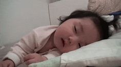 If you are having a bad day, watch this video and it will make it all better. :) | Baby Trying To Stay Awake Will Absolutely Complete Your Day | Full video --> http://gwyl.io/baby-trying-to-stay-awake-will-absolutely-complete-your-day/