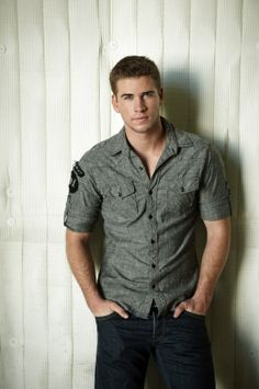 If someone got me this for Christmas, my heart would be just so happy! Liam Hemsworth❤️❤️❤️