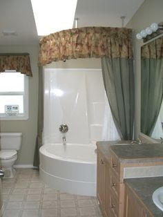 Neat corner tub shower combo.