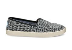 This Avalon Slip-on features a unique pattern with the added comfort and stability that will put a spring in your step. You'll want to wear this eye-catching slip-on everywhere you go.