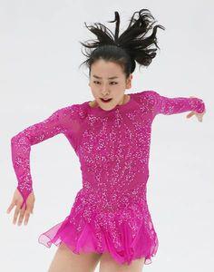 NHK杯・女子SPで演技する浅田(2015年11月27日) 【時事通信社】 (472×600) http://www.jiji.com/jc/d4?d=d4_asa&p=mao505-jpp020371999