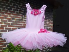 aka.. how to make a classical ballet tutu I've been making more littletutus! This time for charity auctions...They areessentially made i...
