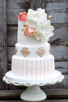 Vintage wedding cake #vintageweddingcake