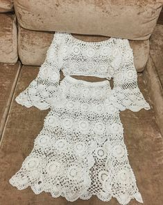 Crochet Winter Dresses, Crochet Skirts, Crochet Blouse, Crochet Clothes, Crochet Lace, Blouse Tutorial, White Lace Romper, Beautiful Crochet, Pattern Fashion