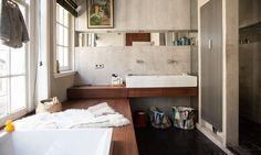 Zoom sur la salle de bain fonctionnelle de Sanne Hop - The Socialite Family