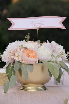 centerpiece by lovely little details