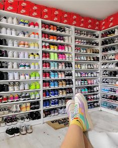 The post Schuh Ziele appeared first on beste Schuhe. Source by gyorgymagdi goals nike Shoe Room, Shoe Wall, Shoe Closet, Jordan Shoes Girls, Girls Shoes, Jordan Outfits, Tenis Nike Air, Nike Shoes Air Force, Aesthetic Shoes