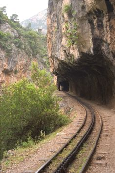Vouraikos gorge, a sheer beauty of Achaia (in Northern Peloponnese) is adorable and visitable with a little help from Odontotos rack railway By Train, Train Tracks, Beautiful Islands, Beautiful Places, Corinth Canal, Old Bridges, Old Steam Train, Train Times, Train Pictures