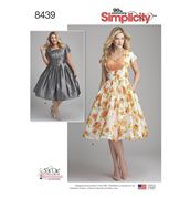 Misses/Womens Sew Chic Dress with Bodice Variations - Simplicity Sewing Pattern 8439 Simplicity Sewing Patterns, Vintage Sewing Patterns, Dress Making Patterns, Miss Dress, One Piece Dress, Chic Dress, Retro Dress, Vintage Dresses, Pleated Bodice